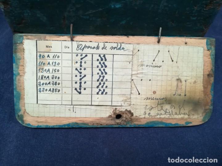 Antigüedades: ANTIGUA MÁQUINA DE TALLER DE CARPINTERÍA PARA SOLDAR LAS SIERRAS DE CINTA - PIEZA DE MUSEO - Foto 8 - 249047240
