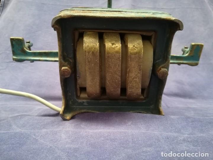 Antigüedades: ANTIGUA MÁQUINA DE TALLER DE CARPINTERÍA PARA SOLDAR LAS SIERRAS DE CINTA - PIEZA DE MUSEO - Foto 13 - 249047240