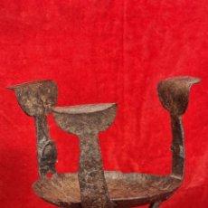 Antigüedades: PEQUEÑO BRASERO DE ALTAR TARDORROMÁNICO EN HIERRO FORJADO SIGLO XIII. Lote 249518515