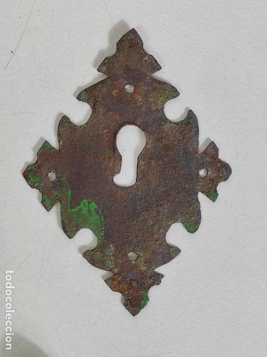 Antigüedades: Antigua Aldaba - Llamador - Picaporte y Bocallave - Hierro Forjado y Cincelado - S. XVII-XVIII - Foto 10 - 249524045