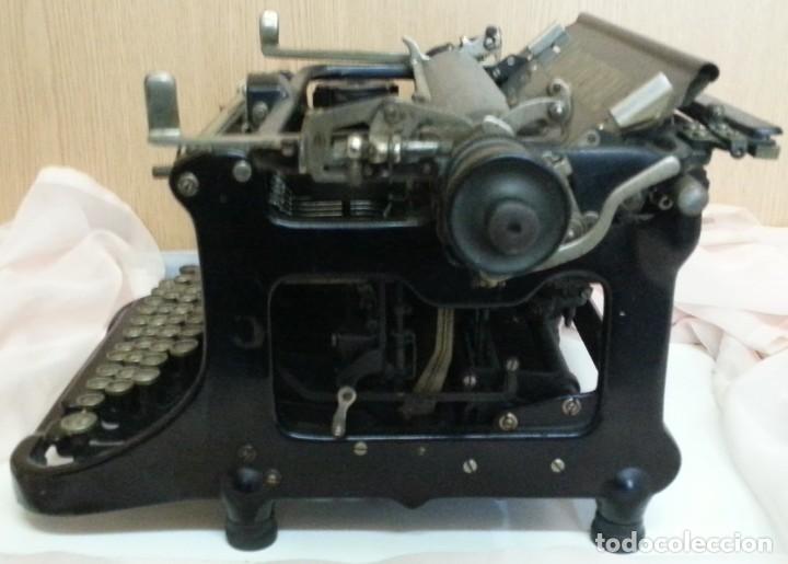 Antigüedades: Máquina de escribir antigua. Marca Continental. Buen estado. - Foto 2 - 250113785