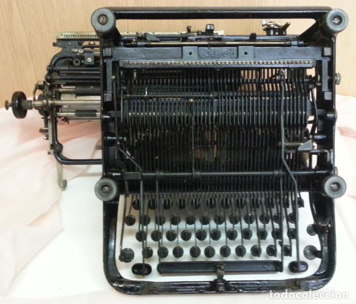 Antigüedades: Máquina de escribir antigua. Marca Continental. Buen estado. - Foto 9 - 250113785