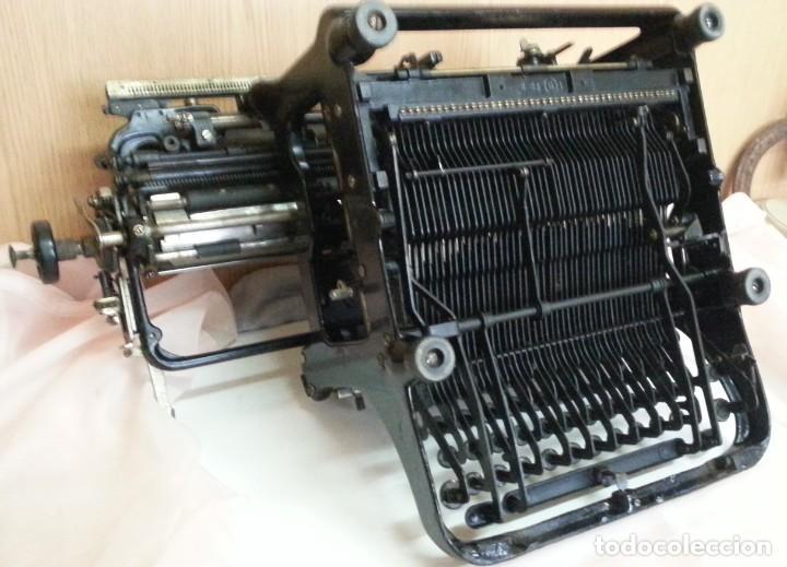 Antigüedades: Máquina de escribir antigua. Marca Continental. Buen estado. - Foto 10 - 250113785