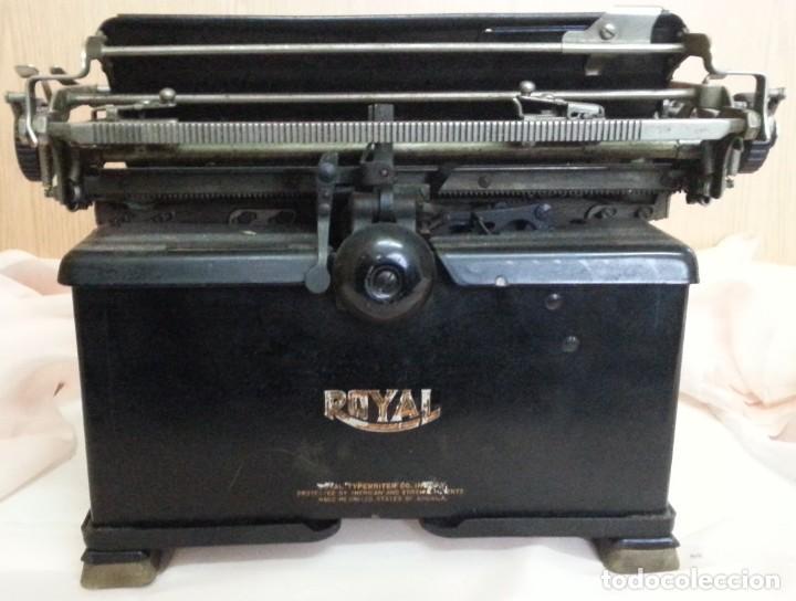 Antigüedades: Máquina de escribir antigua. Marca Royal. Old writing machine - Foto 6 - 250116005
