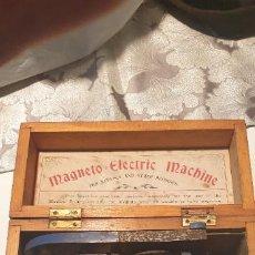 Antigüedades: MAGNETO ELECTRIC MACHINE MAQUINA PARA TRATAR LOS NERVIOS CON CORRIENTES MAGNETICAS SIGLO XIX. Lote 250256910
