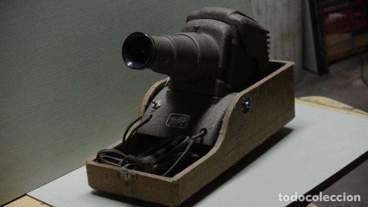 Antigüedades: Antiguo Proyector. Marca Reflex .Chicago - Foto 2 - 251077750