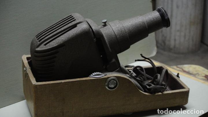 Antigüedades: Antiguo Proyector. Marca Reflex .Chicago - Foto 4 - 251077750