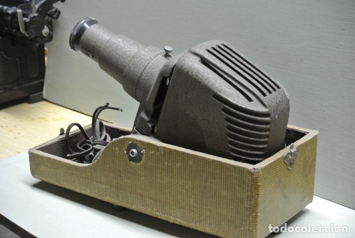 Antigüedades: Antiguo Proyector. Marca Reflex .Chicago - Foto 9 - 251077750