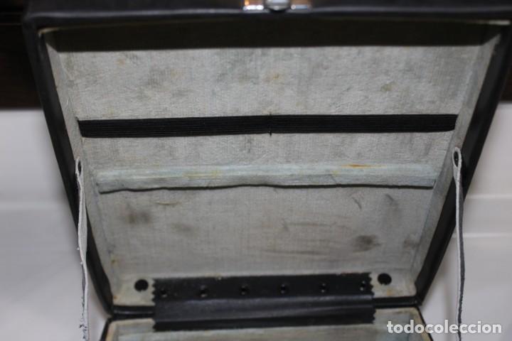Antigüedades: ANTIGUA CAMARA TOMAVISTAS FUJICA SINGLE 8 Z 450 CON CAJA ORIGINAL FUJICA - Foto 15 - 197253196