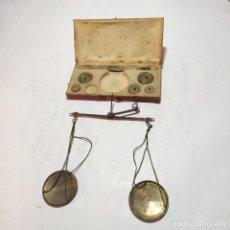 Antigüedades: PEQUEÑA BALANZA ANTIGUA PARA PESAR MONEDAS DE ORO, SIGLO XVIII-XIX.. Lote 251573350