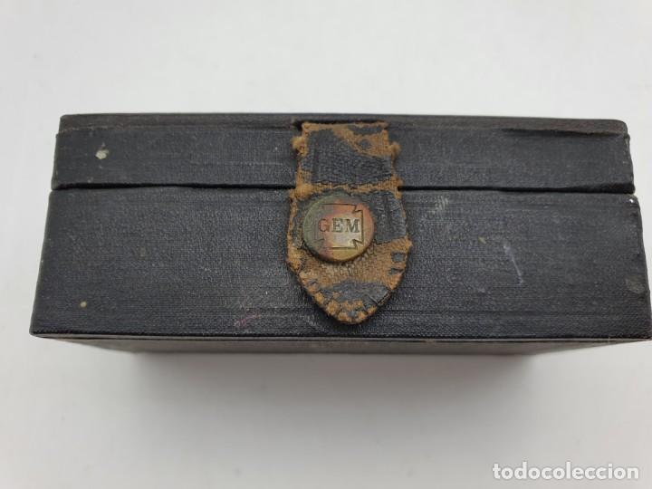 Antigüedades: MAQUINILLA AFEITAR MANUAL GEM, CON SU CAJA ORIGINAL ( VER FOTOS ) - Foto 2 - 251655440