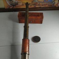 Antigüedades: CATALEJO MARINO CON FUNDA DE CUERO. Lote 251838685