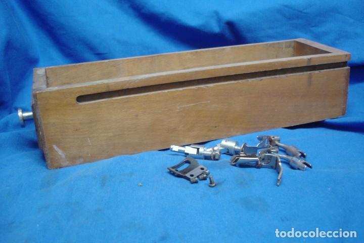 CAJÓN DE MUEBLE MÁQUINA DE COSER Y ACCESORIOS (Antigüedades - Técnicas - Máquinas de Coser Antiguas - Otras)
