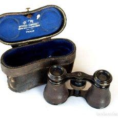 Antigüedades: *C1910-1930* • PEQUEÑOS BINOCULARES ANTIGUOS DE ÓPERA BYR OPTICIEN PARIS (ESTUCHE ORIGINAL). Lote 251920705