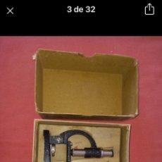 Antigüedades: ANTIGUO MICROSCOPIO MADE IN ENGLAND. Lote 251927375
