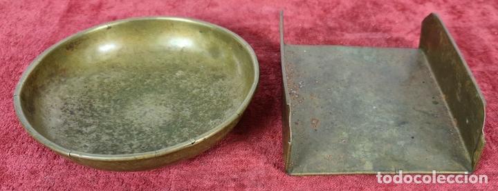 Antigüedades: BALANZA PARA PAPEL. HIERRO DE FUNDICIÓN. PLATOS DE LATÓN. SIGLO XIX-XX. - Foto 10 - 251943375