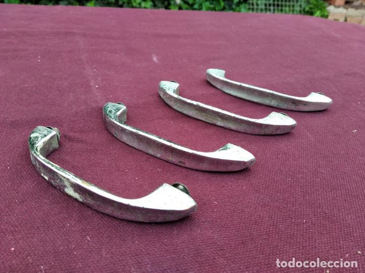 LOTE DE 4 TIRADORES PARA ARMARIOS O CAJONES METALICOS, TIPO INDUSTRIAL, DE OFICINA (Antigüedades - Técnicas - Cerrajería y Forja - Tiradores Antiguos)