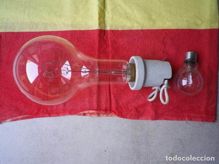 BOMBILLA GIGANTE ROSCA GOLIAT CON PORTALÁMPARAS 125 V. 500 W (Antigüedades - Técnicas - Herramientas Profesionales - Electricidad)