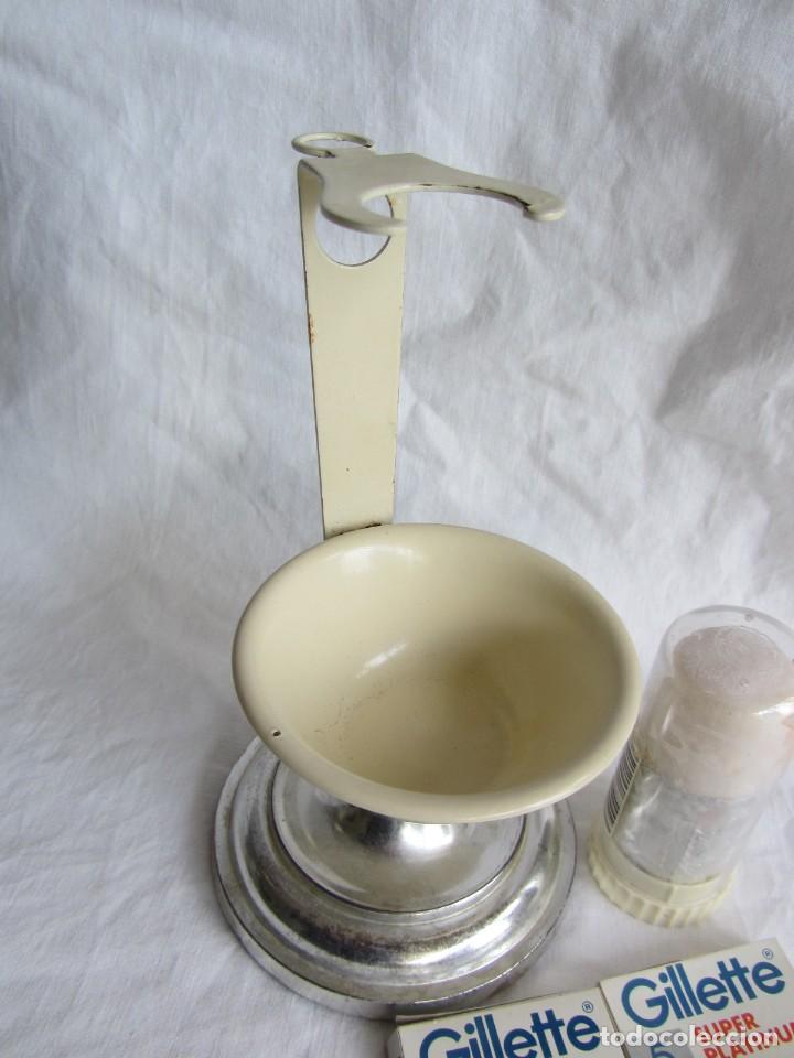 Antigüedades: Juego de afeitar hierro esmaltado, brocha y jabón, maquinilla y hojas Guillette - Foto 9 - 252500330