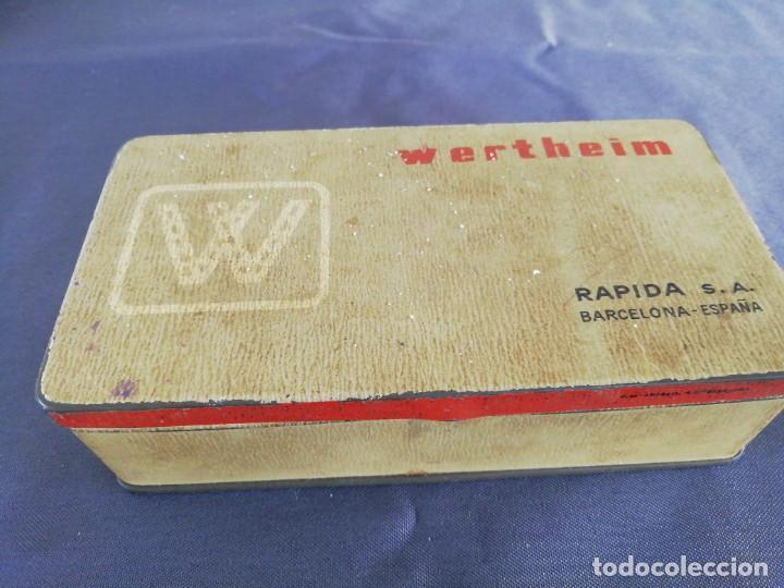 CAJA WHERTHEIM Y UTENSILIOS (Antigüedades - Técnicas - Máquinas de Coser Antiguas - Wertheim )
