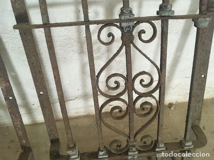 Antigüedades: IMPRESIONANTES REJAS DE VENTANA MUY ANTIGUAS EN HIERRO DE FORJA - Foto 5 - 252824620