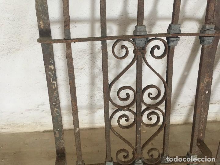 Antigüedades: IMPRESIONANTES REJAS DE VENTANA MUY ANTIGUAS EN HIERRO DE FORJA - Foto 8 - 252824620