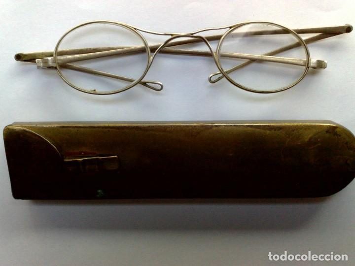 GAFAS ANTIGUAS,CRISTAL OVALADO,MONTURA METALICA,CON SU ESTUCHE DE LATÓN (VER DESCRIPCIÓN) (Antigüedades - Técnicas - Instrumentos Ópticos - Gafas Antiguas)