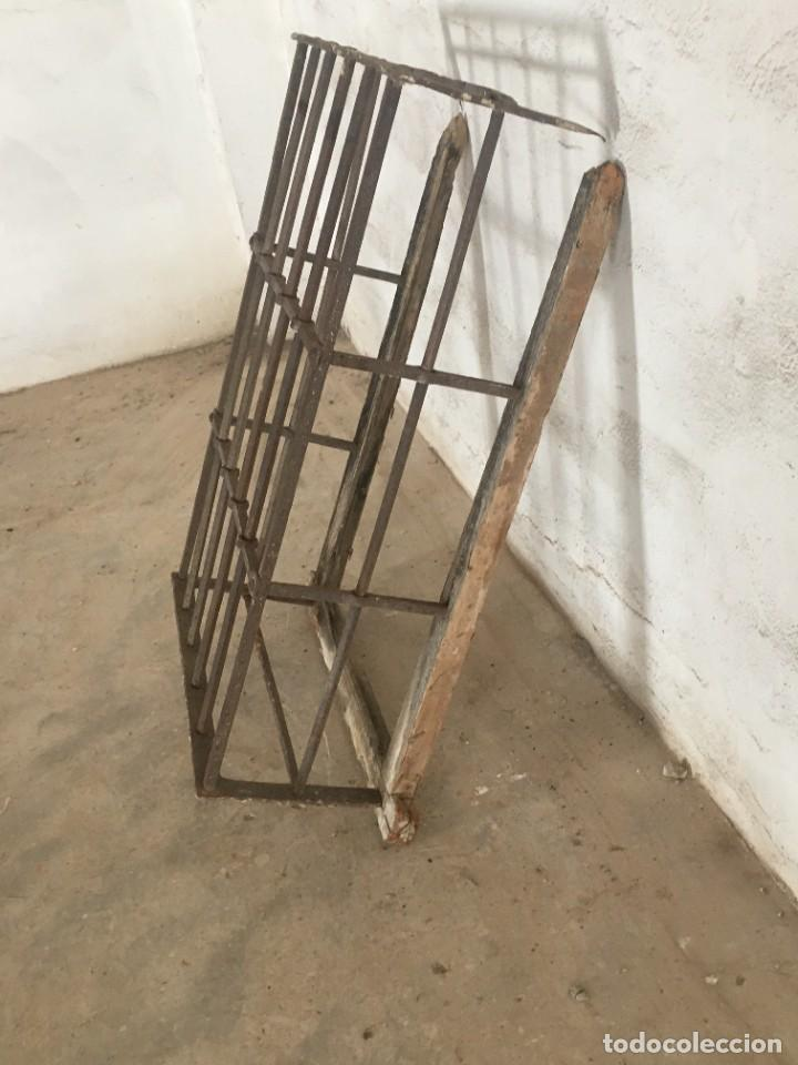 Antigüedades: ANTIGUA Y GRAN REJA TIPO BALCÓN EN HIERRO CON MARCO - Foto 3 - 252859345