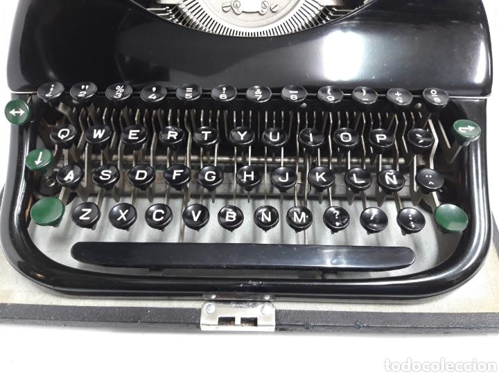 Antigüedades: Maquina de escribir PATRIA - Foto 2 - 252991815