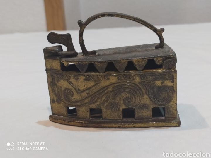 Antigüedades: Bonita plancha de bronce decorativa - Foto 2 - 253079570