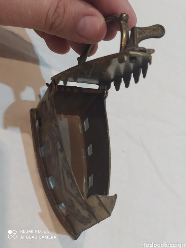 Antigüedades: Bonita plancha de bronce decorativa - Foto 6 - 253079570