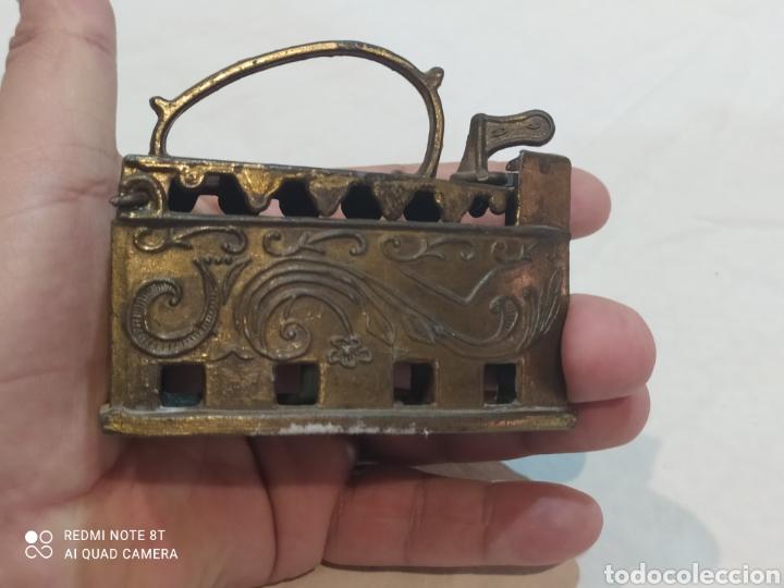 Antigüedades: Bonita plancha de bronce decorativa - Foto 9 - 253079570