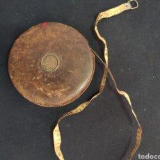 Antigüedades: CINTA MÉTRICA 50 METROS. Lote 253336935