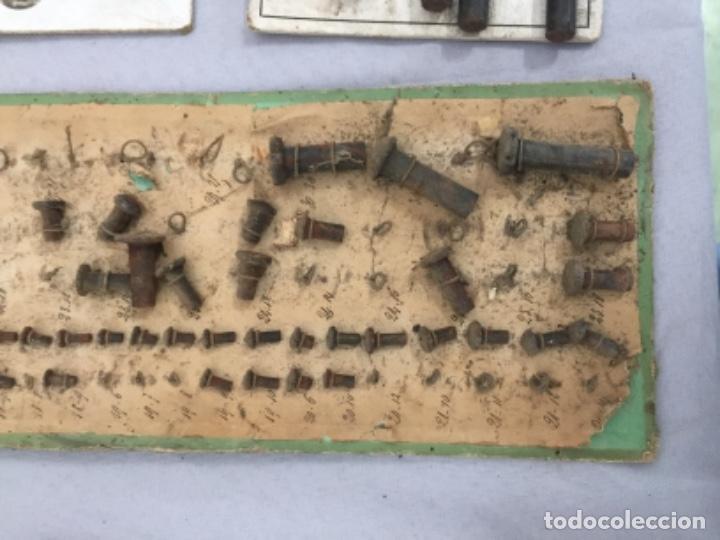 Antigüedades: Antiguos MUESTRARIOS DE TORNILLOS , HERRAMIENTAS, PPIOS SIGLO XX - Foto 4 - 253349750