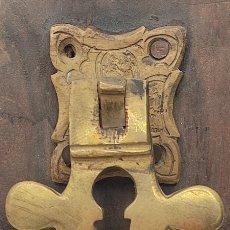 Antigüedades: LLAMADOR O ALDABA BRONCE.. Lote 253510600