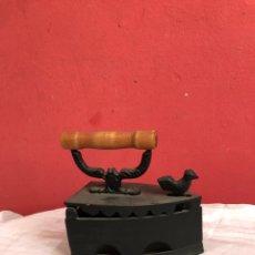 Antigüedades: PLANCHA HIERRO COLADO. Lote 253520715