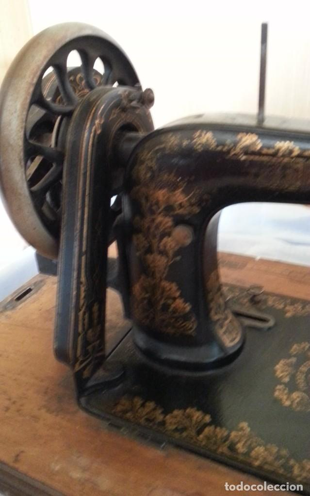 Antigüedades: Máquina de coser antigua marca Frister & Rossmann. - Foto 4 - 253565500