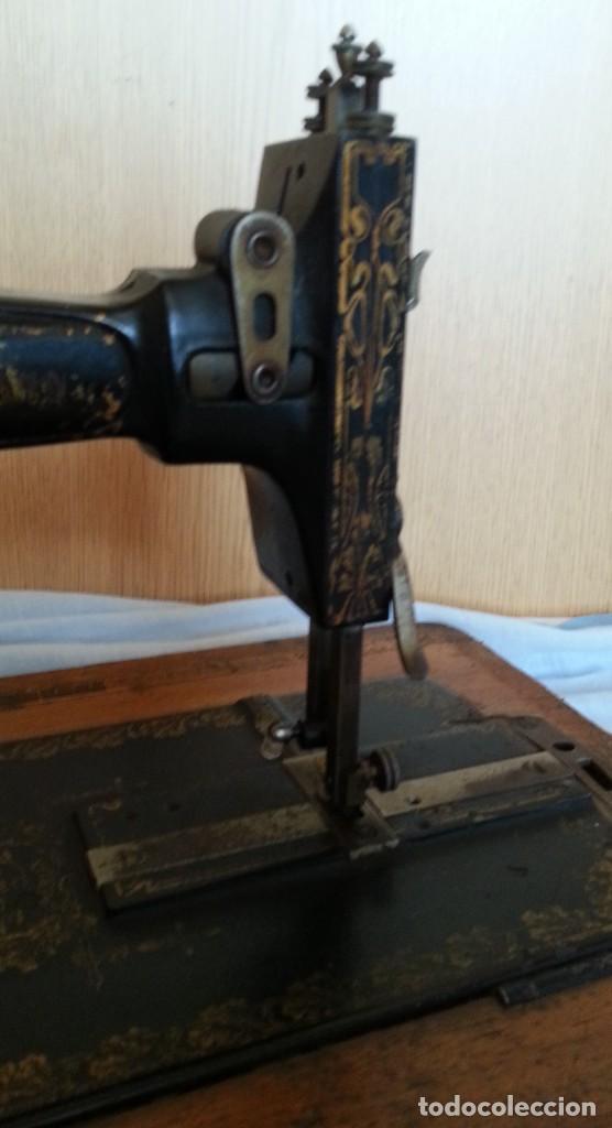 Antigüedades: Máquina de coser antigua marca Frister & Rossmann. - Foto 5 - 253565500