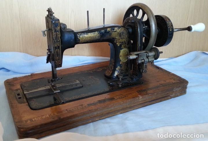 Antigüedades: Máquina de coser antigua marca Frister & Rossmann. - Foto 7 - 253565500
