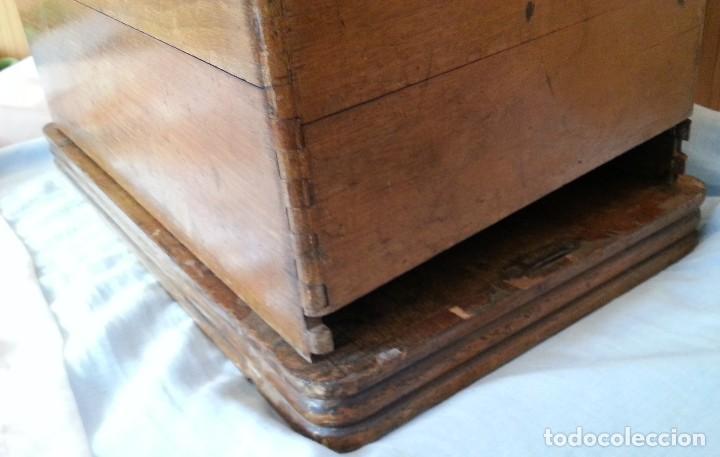 Antigüedades: Máquina de coser antigua marca Frister & Rossmann. - Foto 14 - 253565500