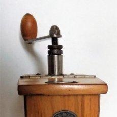 Antigüedades: MOLINILLO DE CAFÉ MARCA GESTO. MODELO JUNIOR. ALEMANIA. CA. 1922/1940.. Lote 253721525