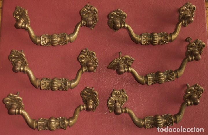 Antigüedades: 6, TIRADORES DE BRONCE, ANTIGUOS Y 2 BOCALLAVES - Foto 2 - 253744695