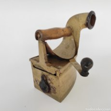 Antigüedades: PLANCHA ANTIGUA CARBÓN. Lote 253892920