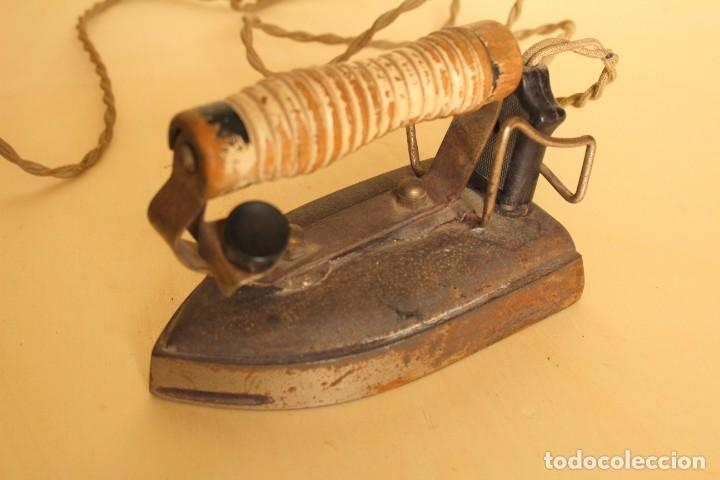 ANTIGUA PLANCHA ELECTRICA (Antigüedades - Técnicas - Planchas Antiguas - Eléctricas)