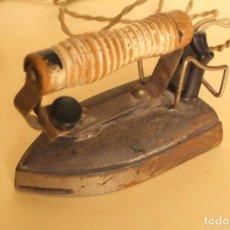Antigüedades: ANTIGUA PLANCHA ELECTRICA. Lote 254155330