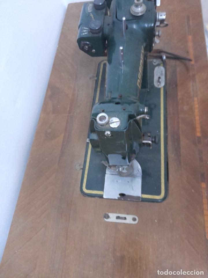 Antigüedades: Maquina de coser refrey cl317 con mueble y pedal de origen - Foto 10 - 254255885