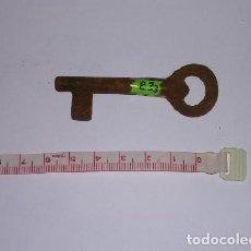 Antigüedades: ANTIGUA LLAVE DE HIERRO FORJADO. Lote 254280820