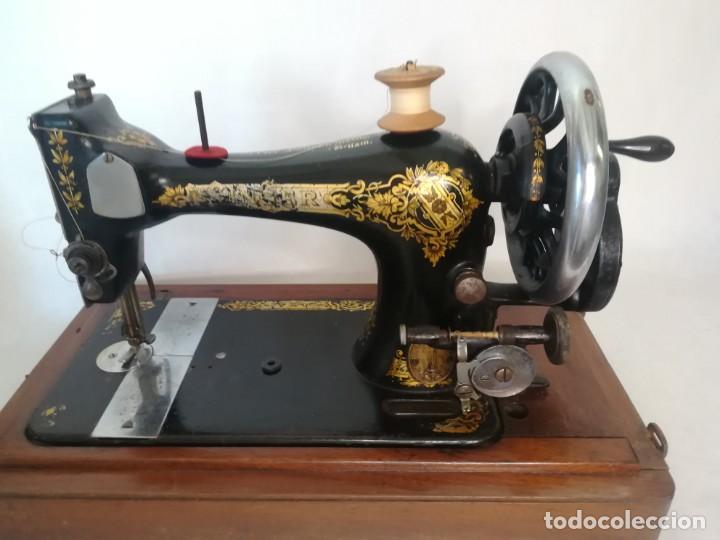 SINGER MANUFACTURING COM. FABRICADA EN GRAN BRETAÑA (UK) 1910 (Antigüedades - Técnicas - Máquinas de Coser Antiguas - Singer)