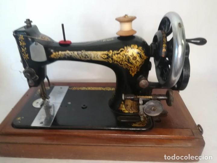 Antigüedades: SINGER MANUFACTURING COM. FABRICADA EN GRAN BRETAÑA (UK) 1910 - Foto 6 - 254339000