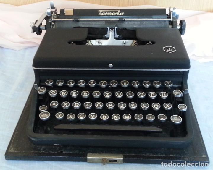 MÁQUINA ESCRIBIR ANTIGUA. MARCA TORPEDO. AÑOS 60. (Antigüedades - Técnicas - Máquinas de Escribir Antiguas - Otras)